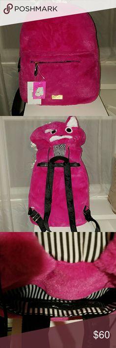 76e6ddbbe4 Betsey Johnson fuschia hoodie backpack Furry cute hoodie backpack. Looks  like a fox. So