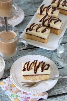 Csokoládés-banánkrémes szelet - Kifőztük Tiramisu, Waffles, Cupcakes, Breakfast, Ethnic Recipes, Food, Morning Coffee, Cupcake Cakes, Essen