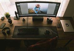 ust finished up my setup! (Rest easy, PC is under my desk! Computer Desk Setup, Gaming Desk, Pc Desk, Gaming Setup, Pc Computer, Home Office Setup, Office Workspace, Home Office Design, Study Office