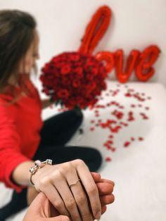 Saint Valentine, Valentines, Romantic Evening, Hold My Hand, Valentine's Day Diy, Valentines Day, Valentine's Day, Romantic Night