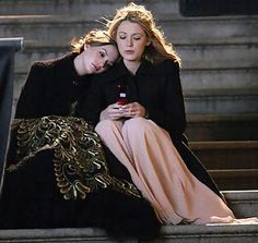 """Blair and Serena _ their prom. Season 2 Episode 24 """"Valley Girls""""."""