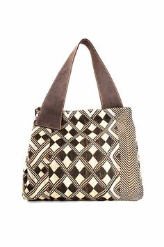The Adèle Dejak brand creates Africa-inspired handmade fashion accessories for the modern, sophisticated and multidimensional woman. Sew Bags, Fabric Bags, Handmade Handbags, Handmade Bags, Jean Purses, Purses And Bags, Diy Sac, Handbag Patterns, Canvas Bags