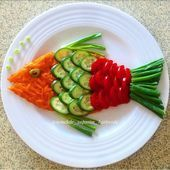 Decorate the picture result for the food for children (Birt - Food Carving Ideas - Her Crochet - - Veggie Platters, Veggie Tray, Food Platters, Vegetable Salad, Cute Food, Good Food, Food Art For Kids, Food Carving, Vegetable Carving