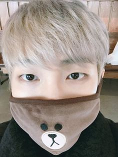The new hair r so pretty! Joonie tries to insult me with his looks