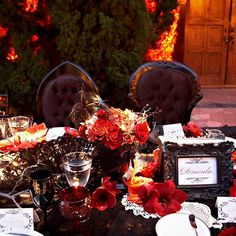 A few more ideas for a #Halloween style  tabletop if you are hosting this Saturday and looking for some inspiration ...onyx sprayed manzanita, collected China and glassware in ebony and Crimson, black lace fans and crocheted doilies along with thematic table names. Thanks to @rjackbalthazar for their awesome collaboration with us on this one and @classicpartyrentals for the perfect complementary placesettings. Photo by @Mikiandsonja from Linzi & Billy's Victorian-styled celebration, inspired…