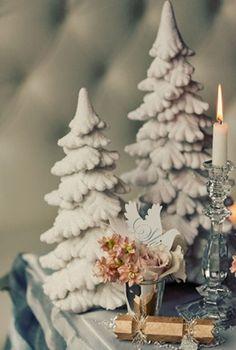 Winter wedding: Bedazzled desserts! #ido #wedding #decor #inspiration