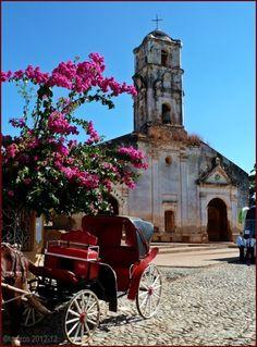 #LosSusurrosDeCantero: En el templo de Santa Ana. http://los-susurros-de-cantero.blogspot.com/2016/04/en-el-templo-de-santa-ana.html?spref=tw via @TonyCantero