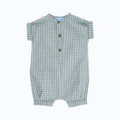 New style baby suit with short arms and legs in woven fabric, perfect for little boys or girls to explore in the summer. Serendipity is GOTS certified and all