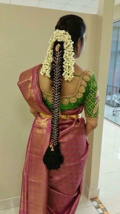Bridal Hairstyle Indian Wedding, South Indian Bride Hairstyle, Indian Wedding Hairstyles, Indian Bridal Fashion, Bride Hairstyles, Indian Hair, Engagement Saree, Bridal Braids, South Indian Weddings