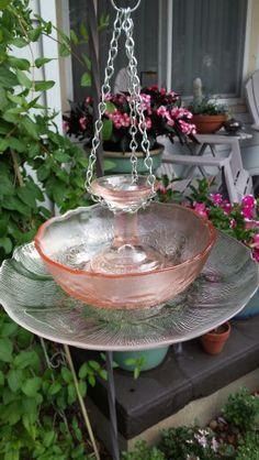 My Glass Garden pretty pink glass bird feeder - Garden Art Glass Bird Bath, Diy Bird Bath, Glass Birds, Glass Garden Flowers, Glass Garden Art, Garden Crafts, Garden Projects, Garden Totems, Garden Pond