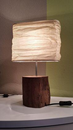 Das Holz stammt aus einer über 100 Jahre alten Apfelweinkelterei aus Frankfurt-Zeilsheim, die abgerissen wurde. Die ausgewählten Stücke wurden von Hand aufwendig gefertigt und zu hochwertigen...