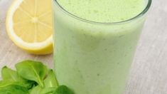 Smoothie recepty | Smoothie recepty Glass Of Milk, Food And Drink, Fresh, Drinks, Smoothie, Drinking, Beverages, Drink, Smoothies