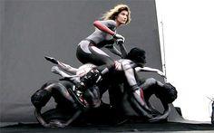 【画像】ボディペイントで作られた「人間オートバイ」 >>クリックすると次の写真に移動します