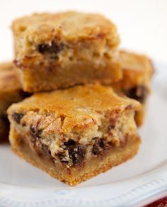 Pecan Chocolate Chip Gooey Butter Cake | Baking and Cooking Blog - Evil Shenanigans