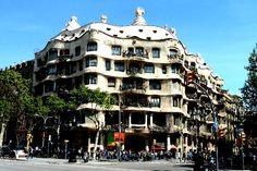 The Best Gaudí Buildings in Barcelona