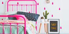 15 Ideas chic para decorar tu cuarto con irresistibles toques neón