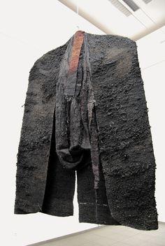 Magdalena Abakanowicz - Поиск в Google Textile Tapestry, Textile Fiber Art, Tapestry Weaving, Paper Mache Sculpture, Art Sculpture, Weaving Designs, Knitting Designs, Textile Design, Fabric Design
