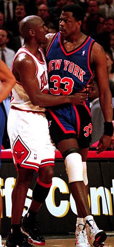 Michael Jordan(bulls) and Patrick Ewing (New York Knicks). I am a knick fan but disappointed in you Ewing let Jordan and Pippen dunk all over him. Basketball Pictures, Love And Basketball, Sports Basketball, Basketball Players, Basketball Motivation, Basketball Uniforms, Charlotte Hornets, Chicago Bulls, 1990 Style