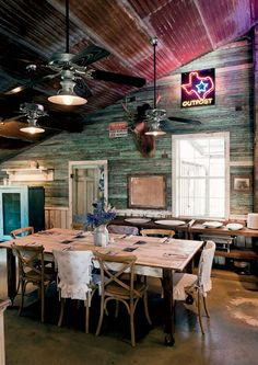 Photo Credit: Jack Thompson. A communal dining area that weaves in local memorabilia.
