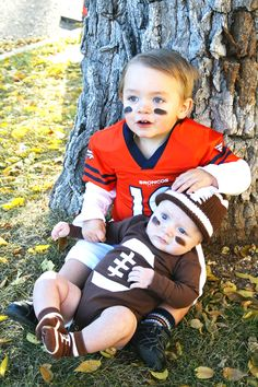 25 baby and toddler halloween costumes for siblings toddler football brothers halloween costume with diy football pads and a diy football onesie 88 more handmade costume ideas solutioingenieria Gallery