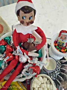 18 Hysterical Elf on the Shelf ideas! #elfontheshelf eclecticallyvintage.com