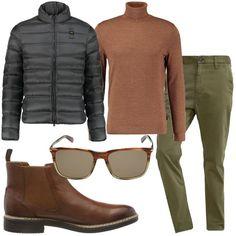 I pantaloni verde militare hanno un taglio classico con tasche a filetto e  gamba che si f3160c0b5b6