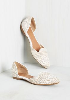 Well-Stepped Flat in White. While a good nights rest makes for a refreshed morning, wearing these dOrsay flats all day leads to a rejuvenated evening! #white #modcloth