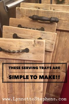These wood serving trays are so easy to make!! We used old fence panels that we sanded and cut to length. We added boards across each end to hold everything together and then put Hobby Lobby handles on them. Pretty simple!! But absolutely beautiful in person!! Great for decor use in your home and they make great gifts!!! Wooden Crafts, Wood Board Crafts, Pallet Crafts, Diy Pallet Projects, Woodworking Projects Diy, Woodworking Basics, Woodworking Plans, Wood Projects For Kids, Wooden Projects