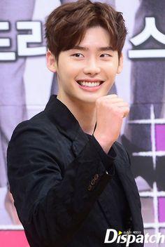 Lee Jong Suk Cute, Lee Jung Suk, Suwon, Asian Actors, Korean Actors, Kang Chul, W Two Worlds, Lee Young, Han Hyo Joo