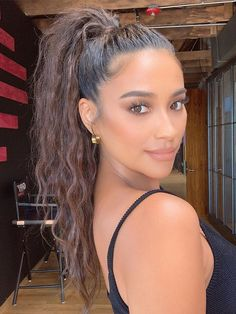 We tapped celebrity hairstylists to get their favorite tips for amazing ponytails. Check out their top seven hacks here. Baddie Hairstyles, Long Hairstyles, Wedding Hairstyles, Asian Hairstyles, School Hairstyles, Everyday Hairstyles, Red Carpet Hairstyles, Easy Ponytail Hairstyles, Hollywood Hairstyles