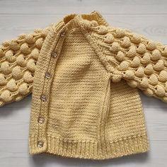 image Baby Sweater Knitting Pattern, Baby Knitting Patterns, Winter Cardigan, Wool Cardigan, Girls Sweaters, Baby Sweaters, Wool Thread, Chunky Wool, Children Clothing