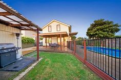 Hodges Real Estate 16 Margaret Street PARKDALE.  Outstanding home for family living.  Sold on 12/06/2013 for $750,000.