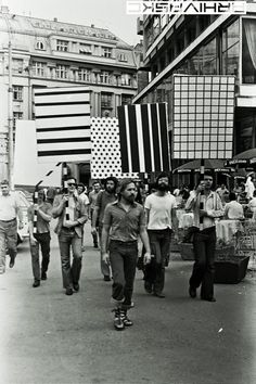 Grupa TOK performance, Serbia '73    Public performance art, using protest signs with minimal patterns.