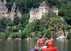 Get active and go kayaking on the #Dordogne River.