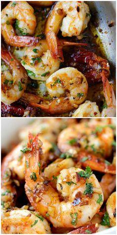 Garlic Sun-Dried Tomatoes Roasted Shrimp - Best garlic roasted shrimp recipe ever! Learn how to make this Spanish/Mediterranean dish. Mediterranean Shrimp Recipe, Easy Mediterranean Diet Recipes, Mediterranean Dishes, Sundried Tomato Recipes, Tomato Pasta Recipe, Shellfish Recipes, Seafood Recipes, Dinner Recipes, Healthy Eating Recipes