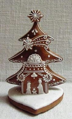 the tree and guiding star // idea Christmas Sugar Cookies, Christmas Treats, Christmas Baking, Christmas Holidays, Xmas, Christmas Gingerbread House, Gingerbread Man, Gingerbread Cookies, Winter Torte