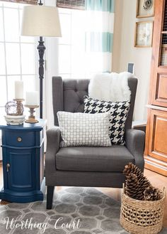 Cozy reading corner for winter || Worthing Court