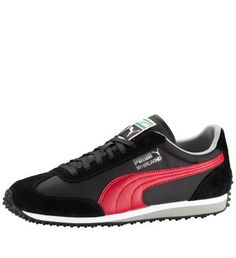 This classic runner was an instant hit in the Aggressive lug outsole  pattern and classic nylon suede upper. Black green PUMA Logo on the tongue. e0ccb5639