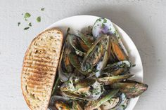 Mussels in white wine sauce recipe, Bite – For a dinner in a dash Warren thinks mussels - Eat Well (formerly Bite) Sauce Recipes, Seafood Recipes, Cooking Recipes, Yummy Recipes, Fresh Seafood, Fish And Seafood, Mussels White Wine, Iron Rich Foods, Quick Easy Dinner