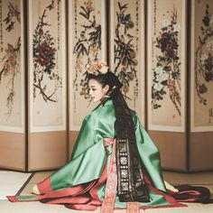 Korean Traditional Dress, Traditional Fashion, Traditional Dresses, Korean Dress, Korean Outfits, Korean Accessories, Modern Hanbok, Korean Wedding, Korean Art