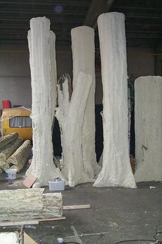 These spray foam trees could be used for a party with branches stuffed in on sides and tops Díszlettervezés, Kreatív Hobbi, Mockup, Fotóhátterek, Kalózok Prop Design, Stage Design, Set Design, Theatre Props, Stage Props, Theater, Halloween Diy, Halloween Decorations, Foam Carving