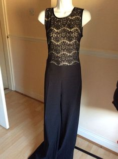 4e116ac83c2 STUNNING BACKLESS EVENING JUMPSUIT BY LISA JAYNE DANN - SIZE 8 - BNWT   fashion
