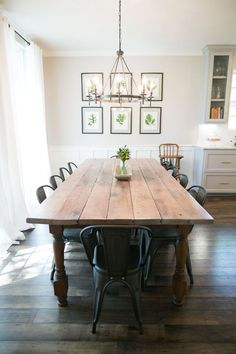 Farmhouse Dining Room Table Set New 10 Beautiful Spaces Dining Room Decor that I Love Quinta Interior, Comedor Shabby Chic, Modern Farmhouse Interiors, Farmhouse Decor, Rustic Interiors, Farmhouse Chandelier, Farmhouse Dining Rooms, Farmhouse Kitchen Tables, White Farmhouse
