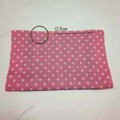 Ideas Hogar...: Cómo hacer una practica máscara de tela (Medidas y Tallas) ♡ Sewing Projects For Beginners, Sewing Tutorials, Sewing Crafts, Pinwheel Quilt Pattern, Mouth Mask Fashion, Bird Applique, Japanese Bag, Sewing Circles, Easy Sewing Patterns