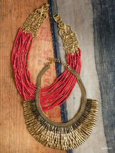 This fall add a big necklase to your outfit to bring some color!
