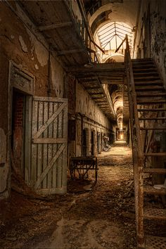 Eastern State Penitentiary - Philadelphia; such a cool, historical place right in the heart of Philly