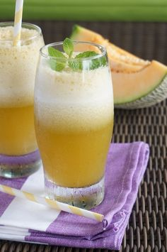 Rock(ing) Melon-Mint Smoothie. Dairy free, gluten-free, detoxifying and delicious!