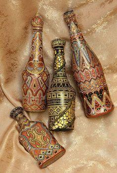 Painted Glass Bottles, Glass Bottle Crafts, Wine Bottle Art, Glass Painting Designs, Dot Art Painting, Pottery Painting, Altered Bottles, Bottle Painting, Vases