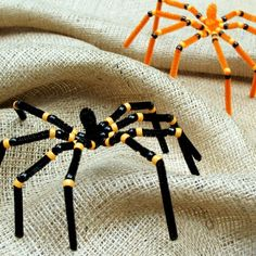 Easy DIY spiders made from black and orange pipe cleaners and beads. Click on the picture and it will take you to the link and instructions.