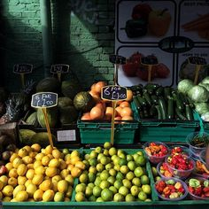 302/366 - Marketplace. #london #market #fruit #urbanexploration #mobilephotography #project365